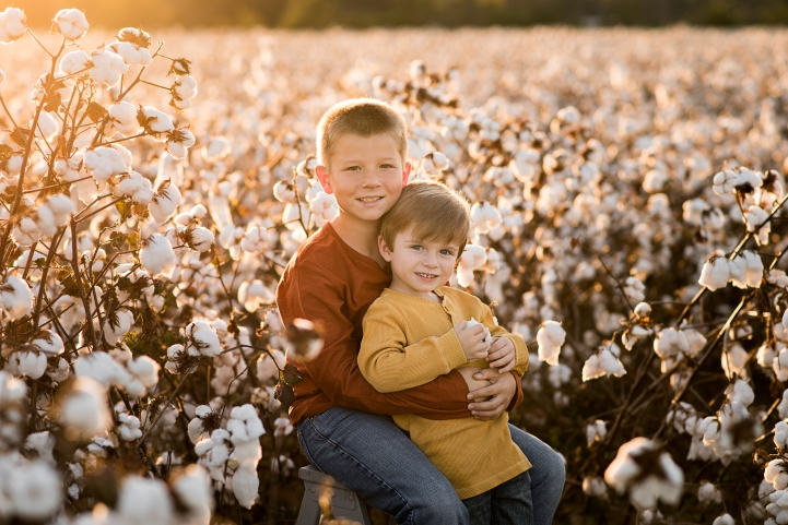 Brothers in cotton field | Crestview Child Photographer